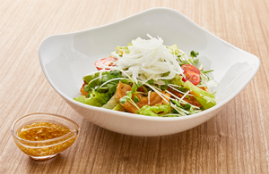 お麩と玉ねぎの和風サラダ